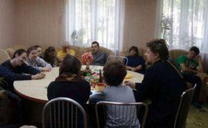 протоиерей Евгений Громыко встретился с людьми, имеющими особенности психического развития